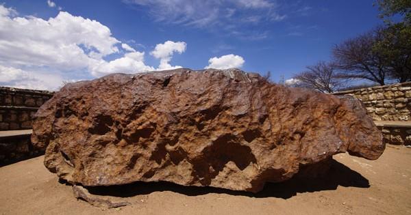 Hoba-Meteorite-1