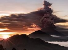 Mount Agung: Bali volcano alert raised to highest level